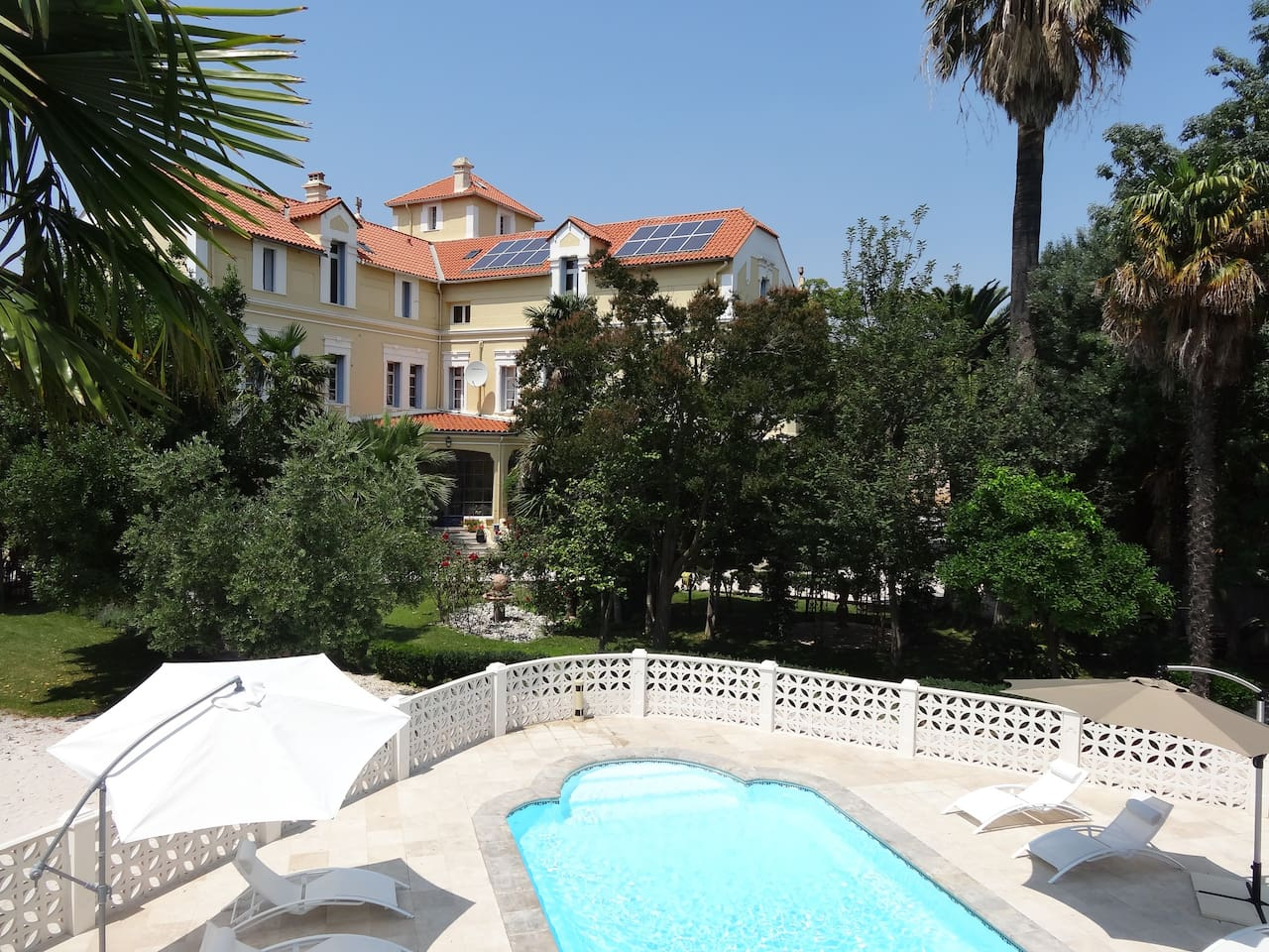 Chateau view from the swimming pool