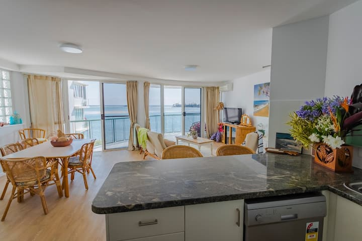 Waterfront apartment with private rooftop balcony