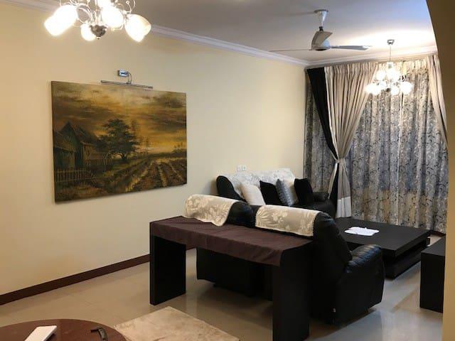 Goa, Dona Paula Apartment