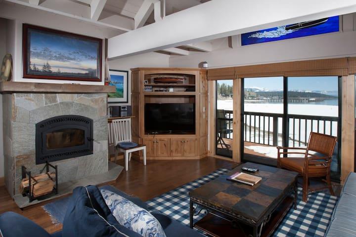 Fireplace/Living Area