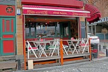 Nice cafes and restaurants near by house