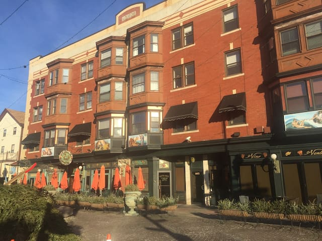 Located on historic Federal Hill - Providence - Appartement en résidence