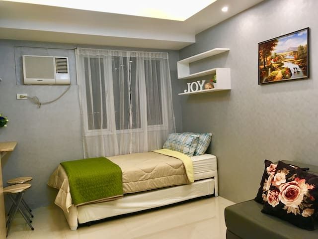 A cosy and neat studio in the heart of Quezon City