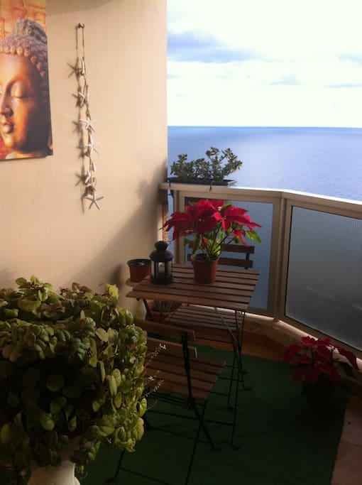 Terraza con vista al mar , ideal momento relax