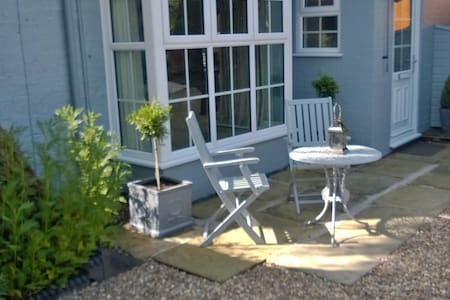 Luxurious cottage near the Wolds and sandy beaches