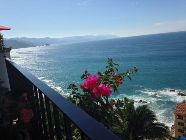Ocean view 2 bedroom, 2 bath condo - Puerto Vallarta - Kondominium