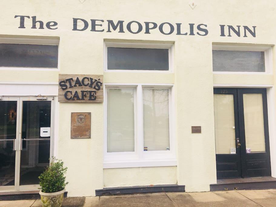 Welcome to The Demopolis Inn.