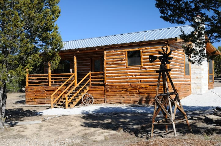 Dream Away Cabin, Log Home  - Canyon Lake - Kabin