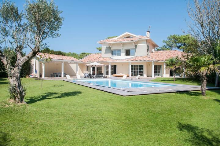 Villa de confort au calme à 500 mètres de la plage