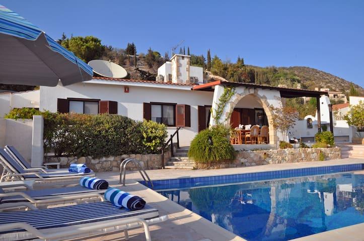 Stunning View w/ private pool - Villa Chianti - Tala - Bungalow