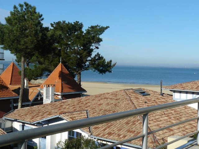 tr s agr agle duplex vue sur mer appartements louer arcachon nouvelle aquitaine france. Black Bedroom Furniture Sets. Home Design Ideas