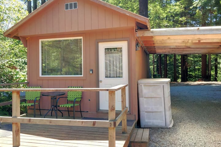 Enjoy a secluded, rustic retreat, nestled right in the beautiful redwoods!