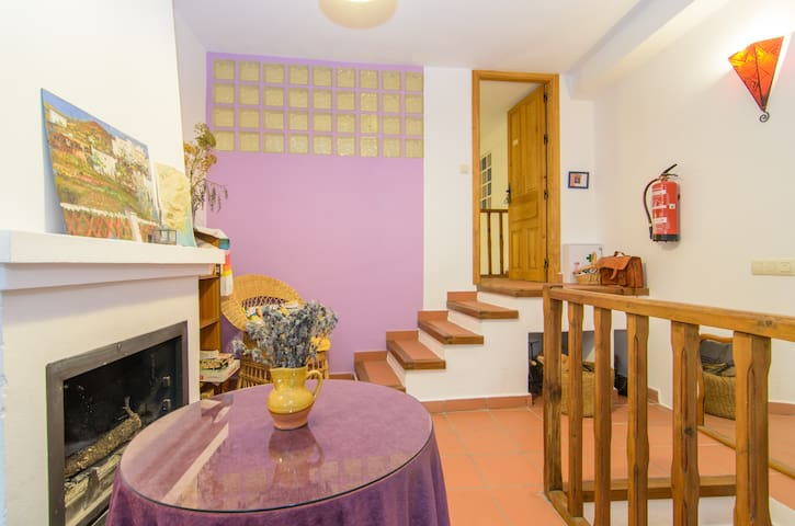 Una casa con 3apart.Junt@s e indep - Yegen - Talo