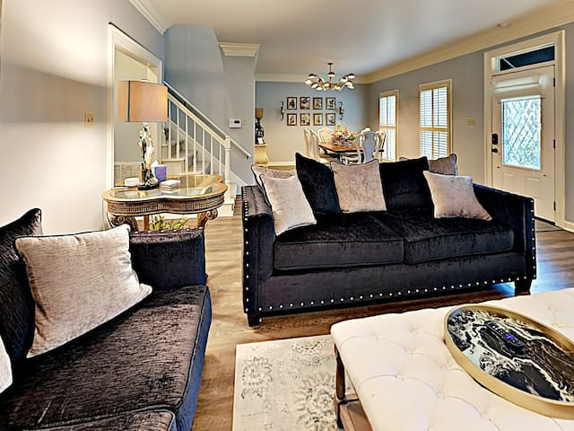 WLR Remodeled Luxurious Cozy Private Charmer