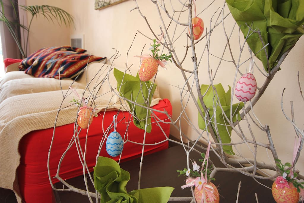 Of course: we style the accommodation to any occasion! There will be an Easter tree in the villa during Easter time!