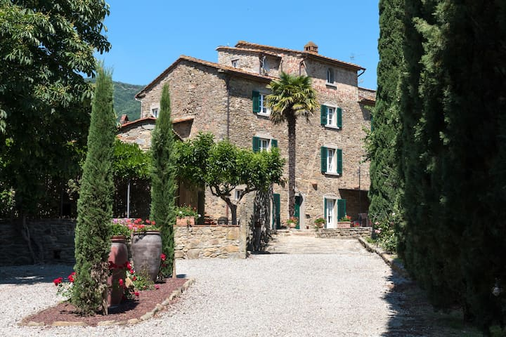 Authentic Villa, unique style in Tuscany