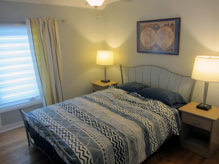 Modest 2 bedroom apartment + parking near downtown