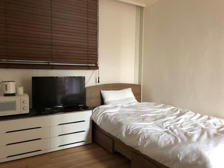 Cozy room A