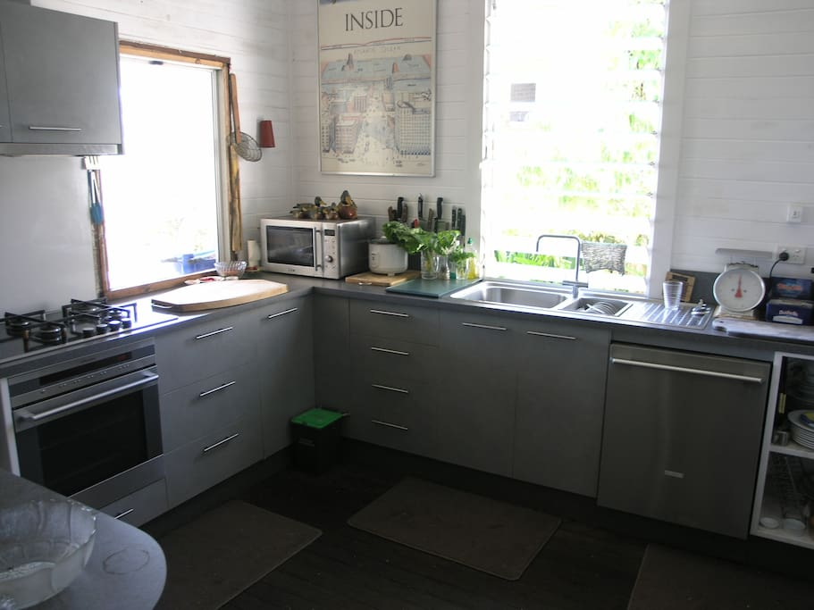 New, fully-equipped modern Kitchen