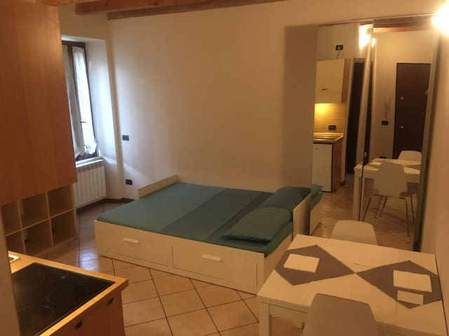 Olmo 2, 1 bedroom apartment, downtown, free wifi - Brescia - Appartement