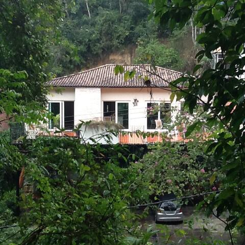 House in the woods 30Km RJ