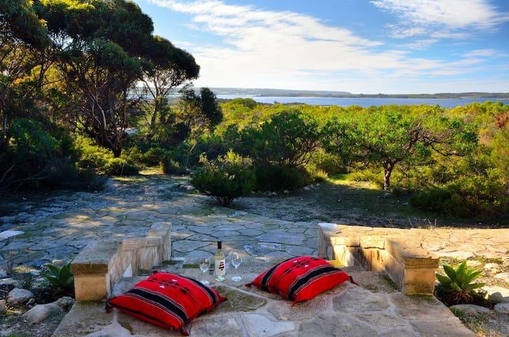 Kestrel Downs - A Unique Experience - Pelican Lagoon, Kangaroo Island