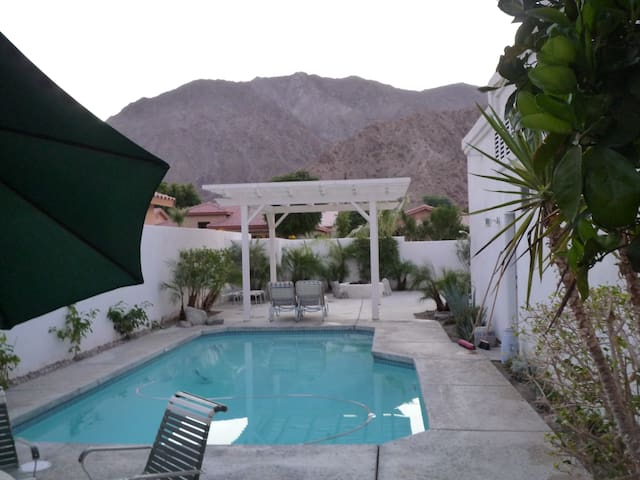 Charming home, amazing view - La Quinta - Bed & Breakfast