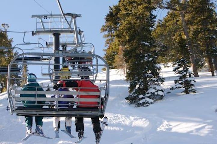Eldora Ski Resort is 25 minutes away.