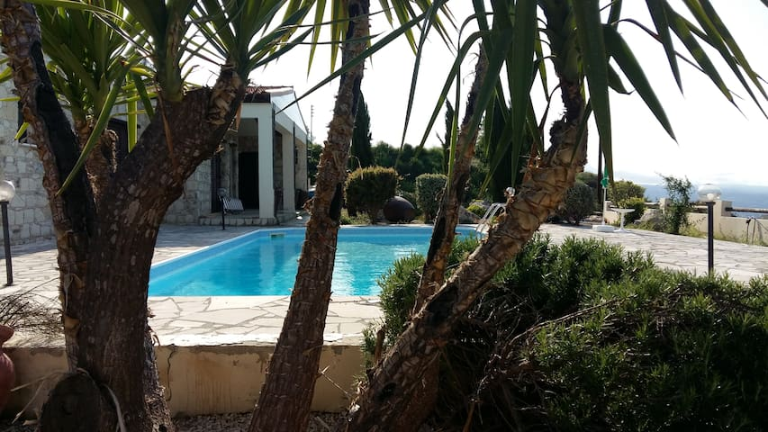 Private Bungalow with Pool in Paphos Countryside - Psathi - Domek parterowy