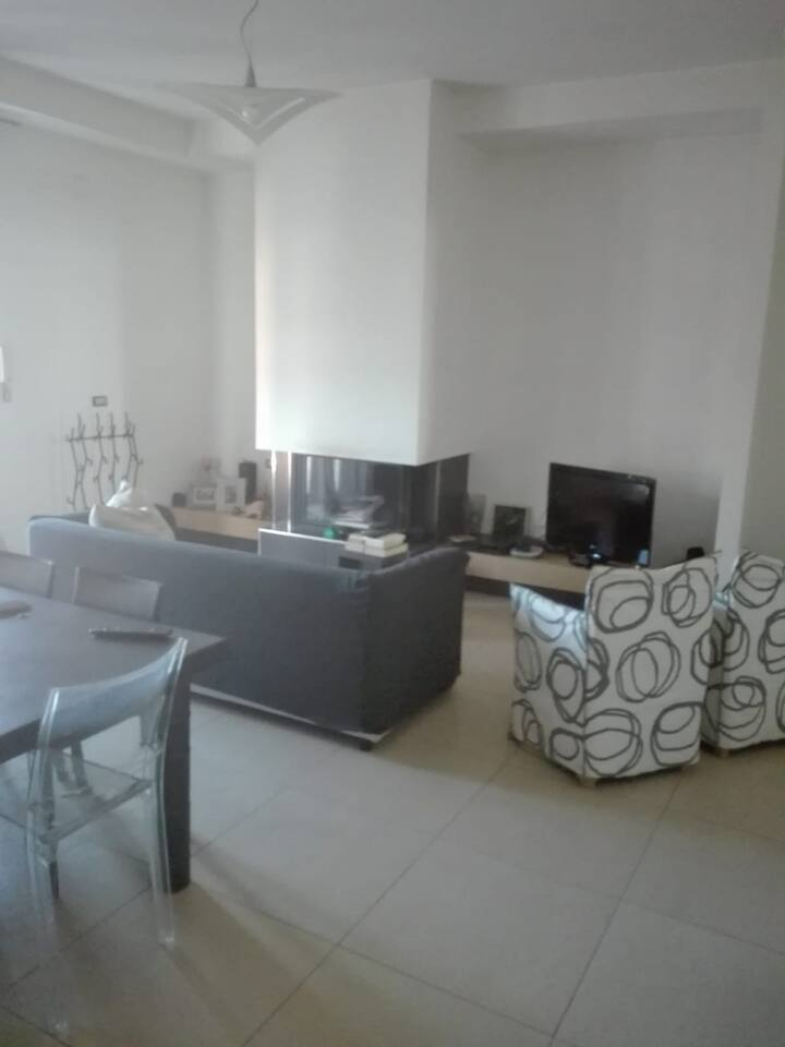 Gorgeous 2 rooms flat between Naples and Caserta.
