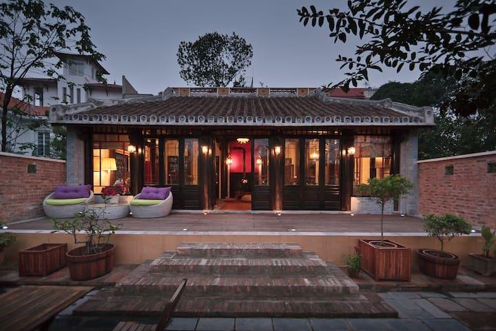 OUR SUMPTUOUS MAISON LY - ハノイ - 別荘