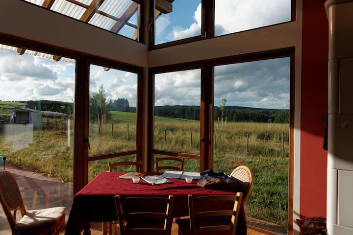 bio-kamer met prachtig uitzicht  - Büllingen