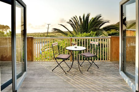 Coast Retreat Muriwai Beach - Haus