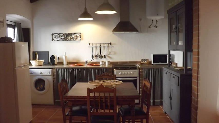 Casa dos Vizinhos- Casas de Taipa - Corval - House