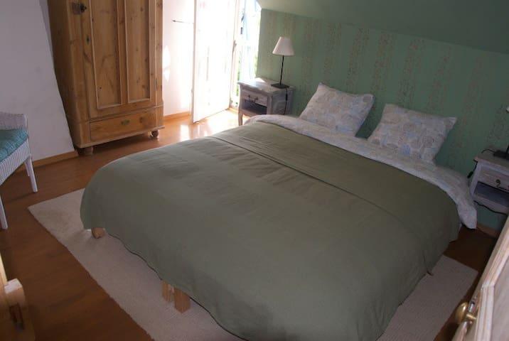 Overnachten in Maison Charlotte! - Dun-sur-Grandry - House