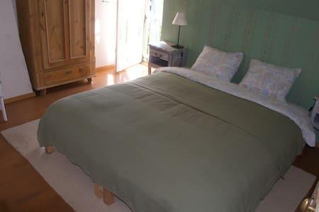 Overnachten in Maison Charlotte! - Dun-sur-Grandry - Rumah