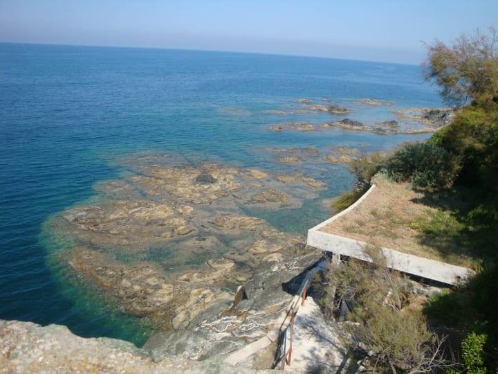 Villa on Castiglioncello's reef