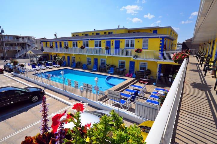Nantucket Inn & Suites - Wildwood - Queen Room Type B