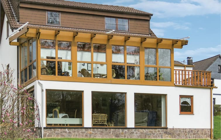Holiday apartment with 2 bedrooms on 75m² in Linkenbach