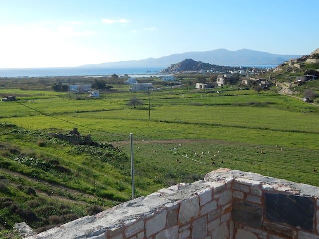 Quite villa in Naxos close to sea - Mikri Vigla - Huis