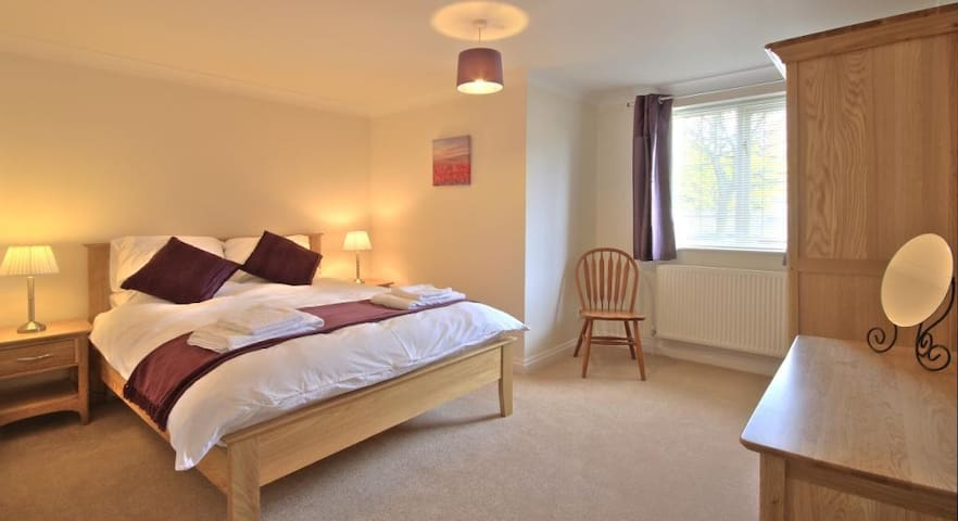 Main Bedroom with King size bed