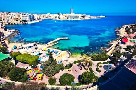 HEART OF SLIEMA, right next to Beach! - 塔斯-斯利馬
