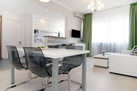 Deluxe Two-Bedrooms Apartment  - Bucharest