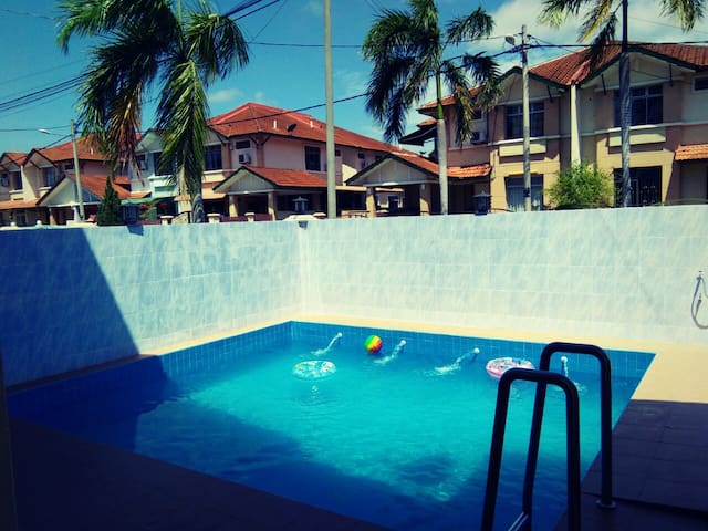 Homestay Terbaik Melaka with Private Pool