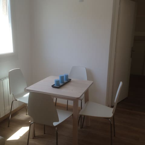 Appartement T1 Septèmes-les-vallons av parking - Septèmes-les-Vallons - Apartment