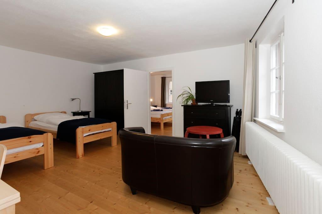 Wohn/Schlafzimmer 1.OG