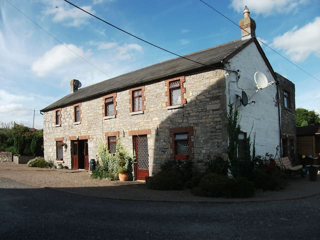 Bective Mill House B&B - Family Room - (RM3) - Bective - Penzion (B&B)