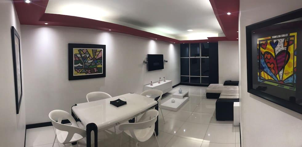 Hermoso Apartamento PentHouse en Barrio Pinares