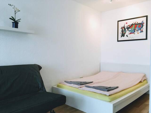 Studio-Apartment Blue