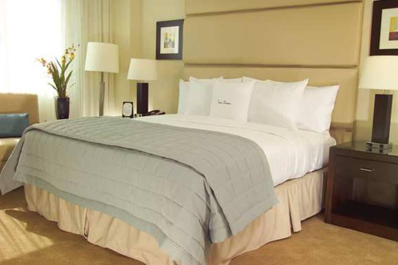 Martini Bedroom Suite 1 Bed1 Bath Suite Suites In Hilton Long Term Disc Apartments